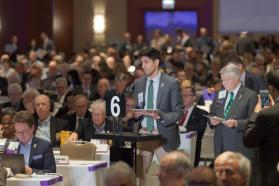 AMA members address HOD during 2019 Annual Meeting