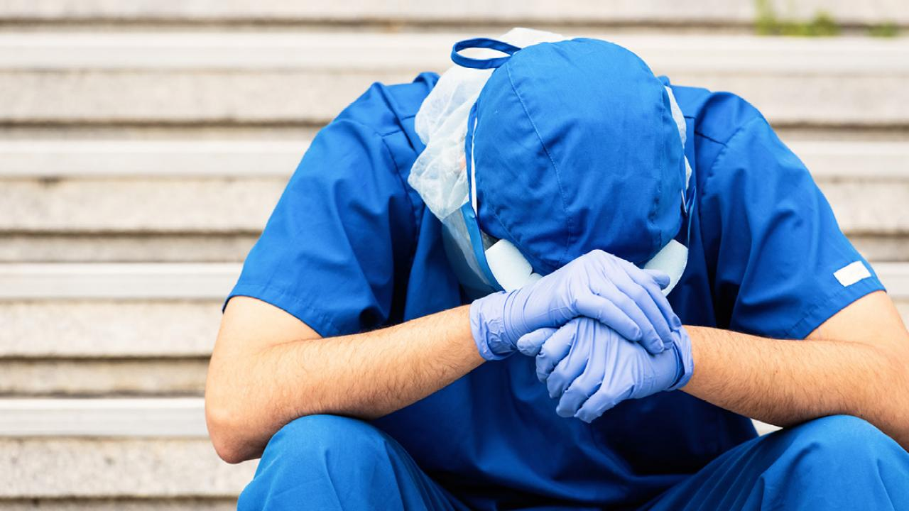 Medical residents stretched by pandemic at risk for stress injury